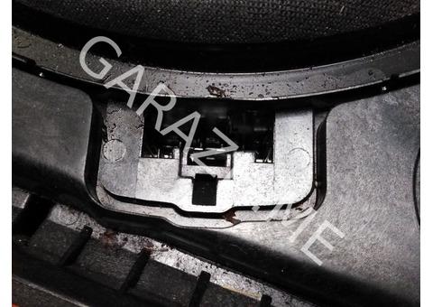 Сабвуфер под переднее левое сиденье BMW E60 (02-10 гг)