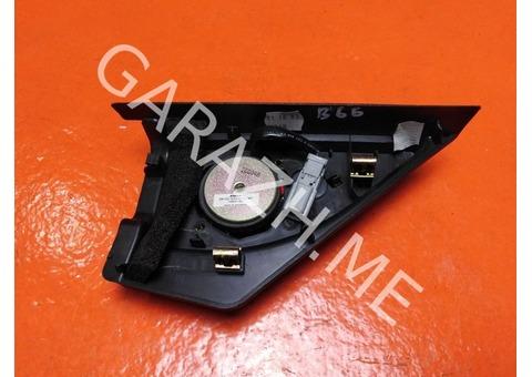Крышка зеркала внутренняя с динамиком правая Acura MDX YD1 (01-06 гг)