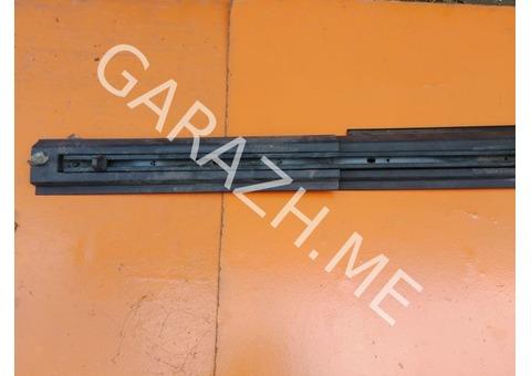 Направляющая рейлинга крыши левая Hummer H3 (05-10 гг)