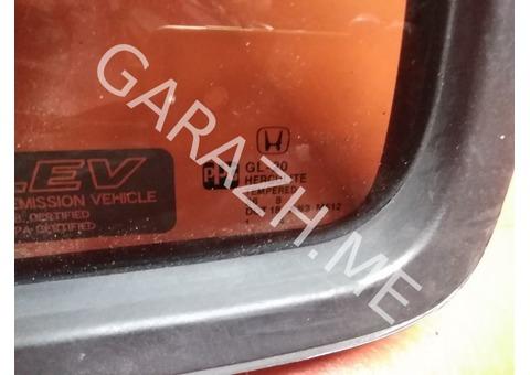 Форточка задней левой двери Honda Pilot 2 (08-15 гг)