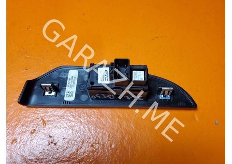 Кнопка стеклоподъемника задняя левая Chevrolet Tahoe 3 (07-12 гг)