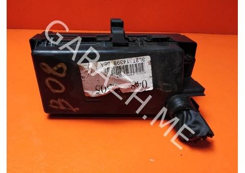 Блок предохранителей подкапотный Ford Explorer 3 (01-05 гг)