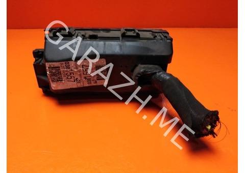 Блок предохранителей подкапотный Ford Explorer 4 4.0L (06-10 гг)