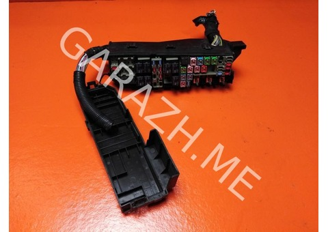 Блок предохранителей подкапотный Ford Escape 2 2.3L (08-12 гг)