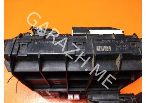 Блок предохранителей салона Ford Escape 3.0L (01-07 гг)