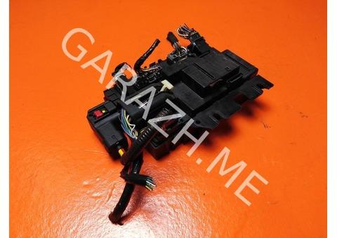 Блок предохранителей салонный Ford Escape 2 2.5L (08-12 гг)