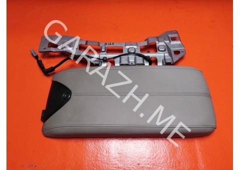 Крышка подлокотника Acura RDX TB1 (06-12 гг)