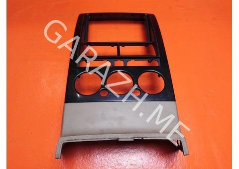 Накладка магнитолы Ford Explorer 4 (06-10 гг)