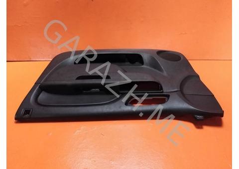 Обшивка передней правой двери Chevrolet Tahoe 3 (07-12 гг)