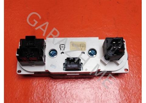 Блок управления отопителем салона Ford Explorer 4 (06-10 гг)