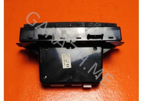 Блок управления климатической установкой Mazda CX-9 (06-12 гг)