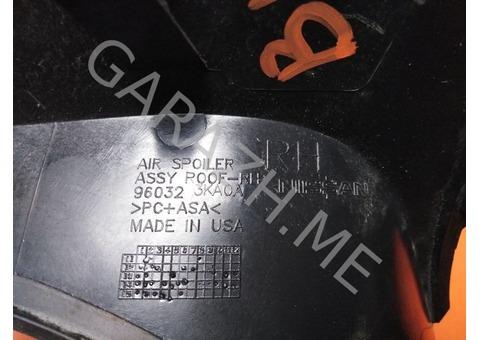 Накладка спойлера багажника правая Nissan Pathfinder R52 (12-16 гг)