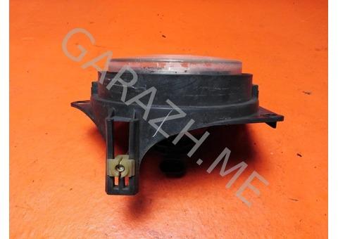 Фара противотуманная левая Hummer H3 (05-10 гг)