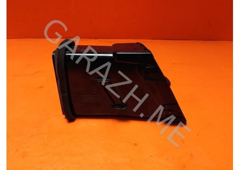 Дефлектор обдува центральный правый Nissan Pathfinder R52 (12-16 гг)