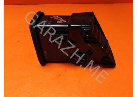 Дефлектор обдува центральный левый Nissan Pathfinder R52 (12-16 гг)