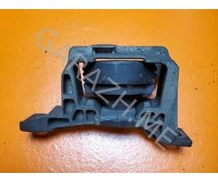 Подушка двигателя правая Ford Kuga 1.6T (12-16 гг)