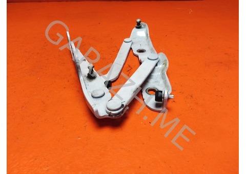 Петля крышки багажника правая Chevrolet Camaro 5 (13-15 гг)