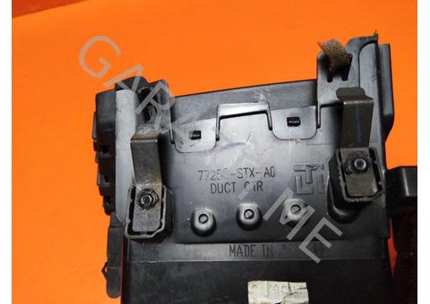 Дефлектор обдува центральный  Acura MDX YD2 (07-12 гг)