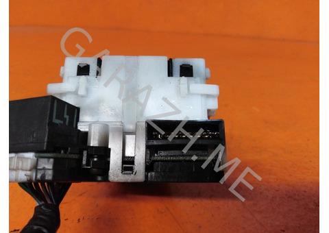 Переключатель стеклоочистителей Infiniti QX56 (04-10 гг)