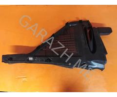Решетка стеклоочистителя левая BMW X5 E70 (07-13 гг)