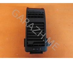 Дефлектор обдува правый Infiniti QX56 (04-10 гг)
