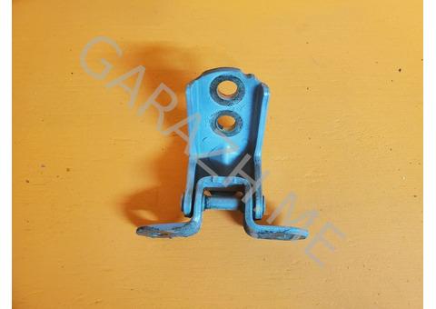 Петля передней правой двери Infiniti QX56 JA60 (04-10 гг)