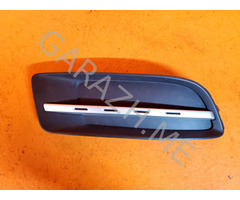 Решетка в бампер правая Mazda CX-9 (06-12 гг)