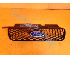 Решетка радиатора Ford Escape (04-07 гг)