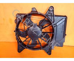 Вентилятор основного радиатора правый Ford Escape 3.0L (01-07 гг)