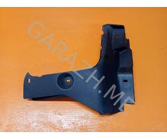 Дефлектор радиатора правый Infiniti QX56 (04-10 гг)