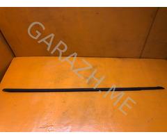 Молдинг стекла правой двери Chevrolet Camaro 5 (13-15 гг)