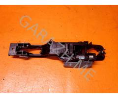 Кронштейн ручки передней левой двери Nissan Murano Z51 (08-15 гг)