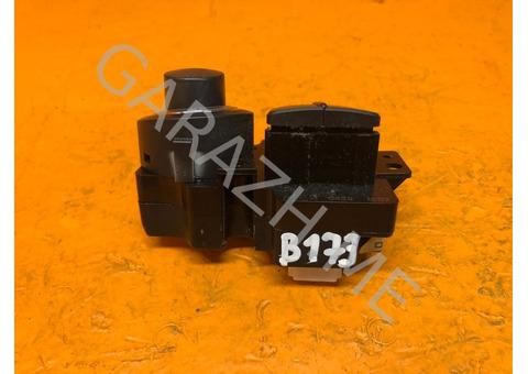 Блок кнопок управления магнитолой Nissan Pathfinder R51 (05-14 гг)