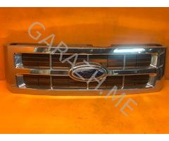 Решетка радиатора Ford Escape 2 (08-12 гг)