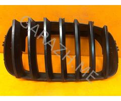 Решетка радиатора правая BMW X5 E70 (07-10 гг)
