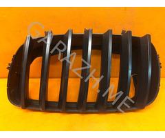 Решетка радиатора левая BMW X5 E70 (07-10 гг)