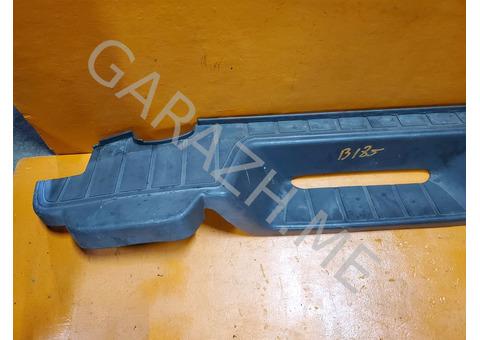Накладка заднего бампера Hummer H3 (05-10 гг)