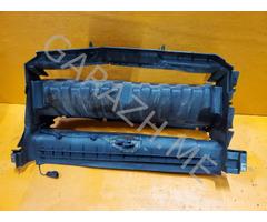Воздуховод радиатора Land Rover Discovery 3 (04-09 гг)