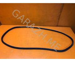 Уплотнительная резинка стекла багажника Nissan Pathfinder R51 (05-14 гг)