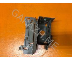 Кронштейн усилителя переднего бампера правый Mazda CX-9 (06-12 гг)
