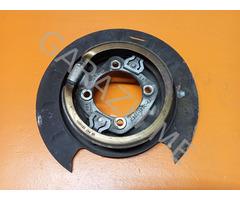 Щиток тормозного диска задний левый в сборе Chevrolet Tahoe 3 (07-12 гг)